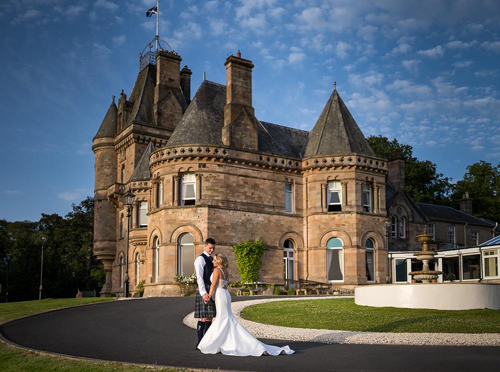 Wedding-at-Cornhill-castle